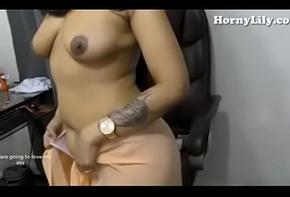 Savita bhabi Aka Sex-mad Lily Roughly diggings Hindi Audio