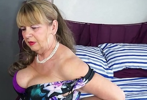 OmaGeiL Big-busted Mature Lady Unassisted Spoof