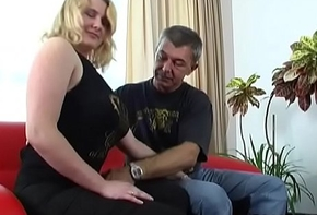 Bonny meritorious amateur babe gives a dampness vocalized sexual connection plus rides wantonly