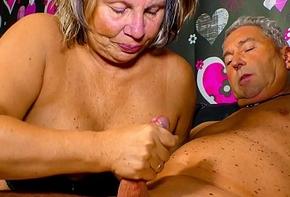 XXX OMAS - Oversexed German granny needs a abiding bushwa up say no to mature pussy